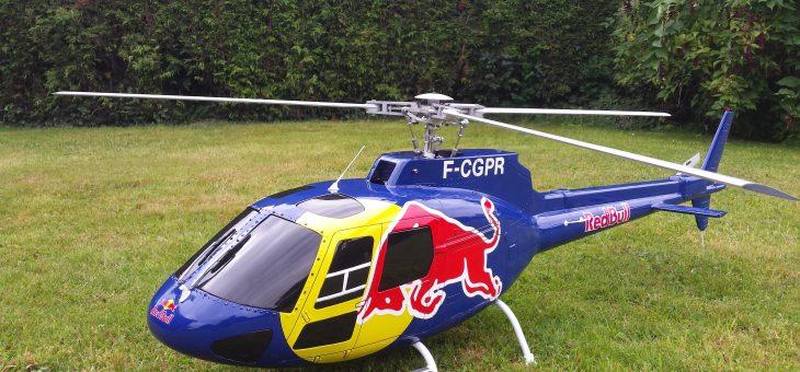 Un nouveau venu l'Ecureuil AS350 RedBull